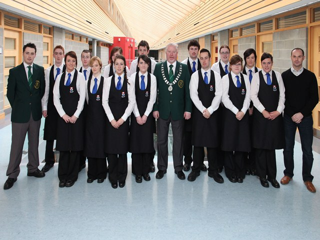 Declan Byrne, President of the Bartenders Association of Ireland pictured with Hospitality & Tourism students at WIT.