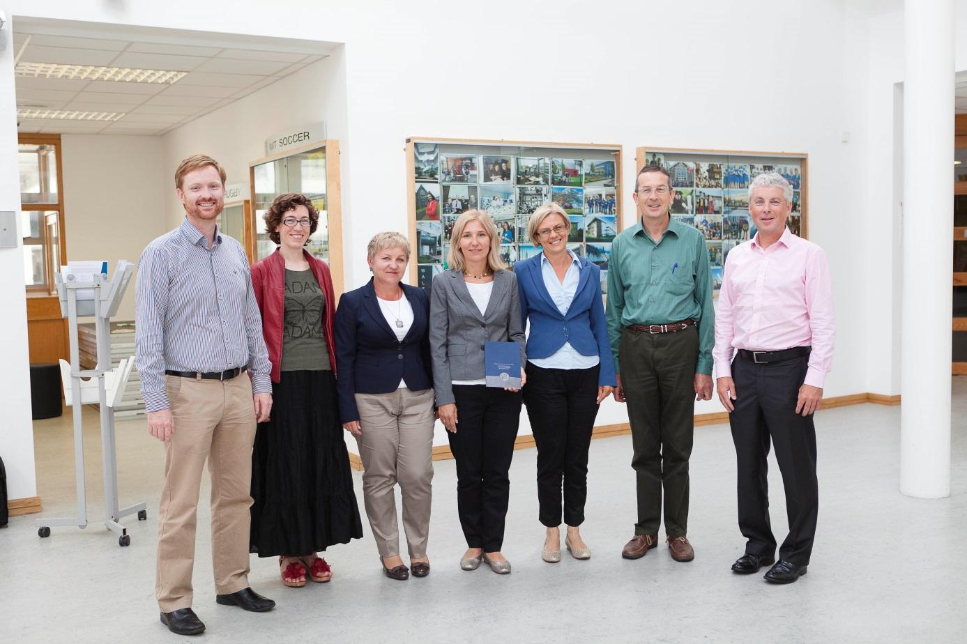 Derek Sinnott, Susan Gallagher, Renata Kozik, Agnieszka Leśniak, Edyta Plebankiewicz, John Carney & Ken Thomas