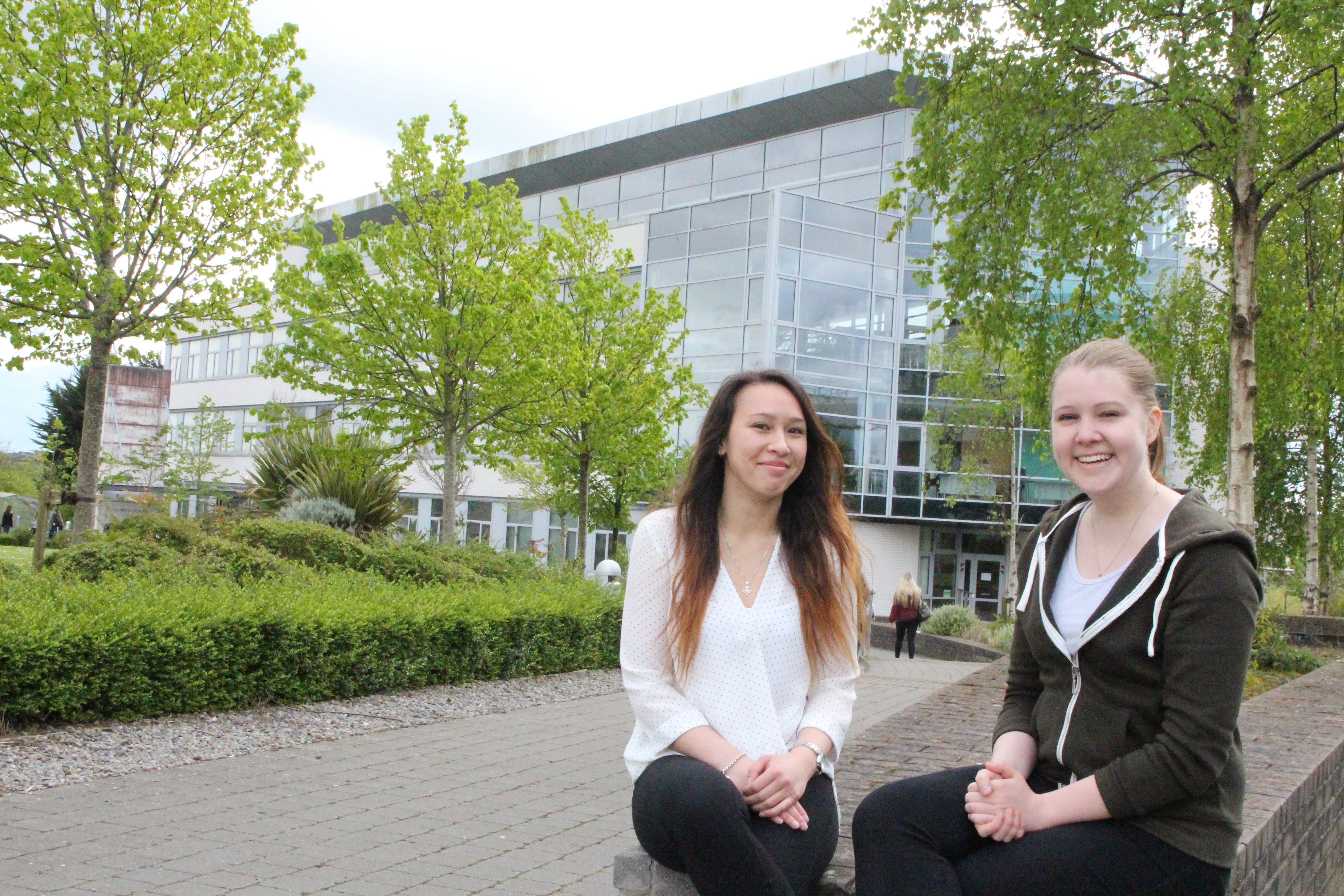 Pictured is WIT Nursing students who will be going on Erasmus to Finland in September pictured with Erasmus Students from Finland and Deirdre Chapman, Nurse Allocations Officer, WIT