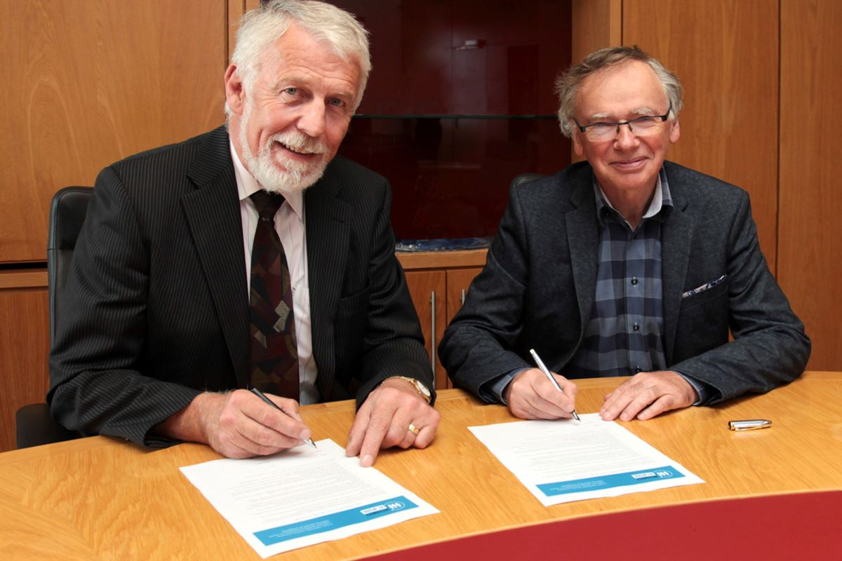 Caption for photo: Pictured from left are: Chair of the Governing Body, Jim Moore and the WIT President, Prof Willie Donnelly. Photo by: George Goulding